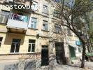 Продается коммунальная квартира в центре